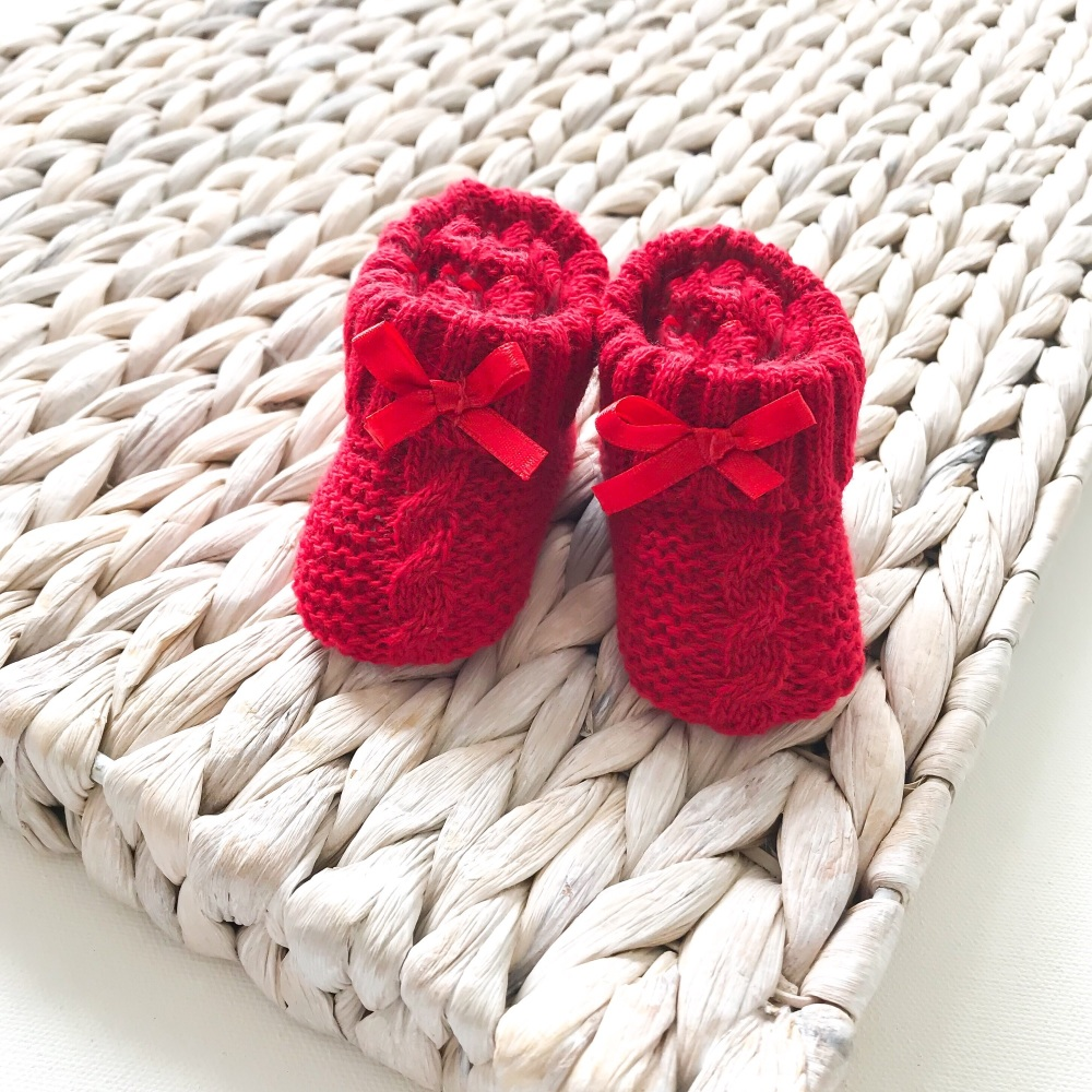 Cable Knit Booties With Bow - Red
