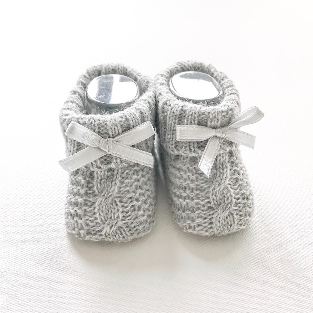 Cable Knit Booties With Bow - Grey