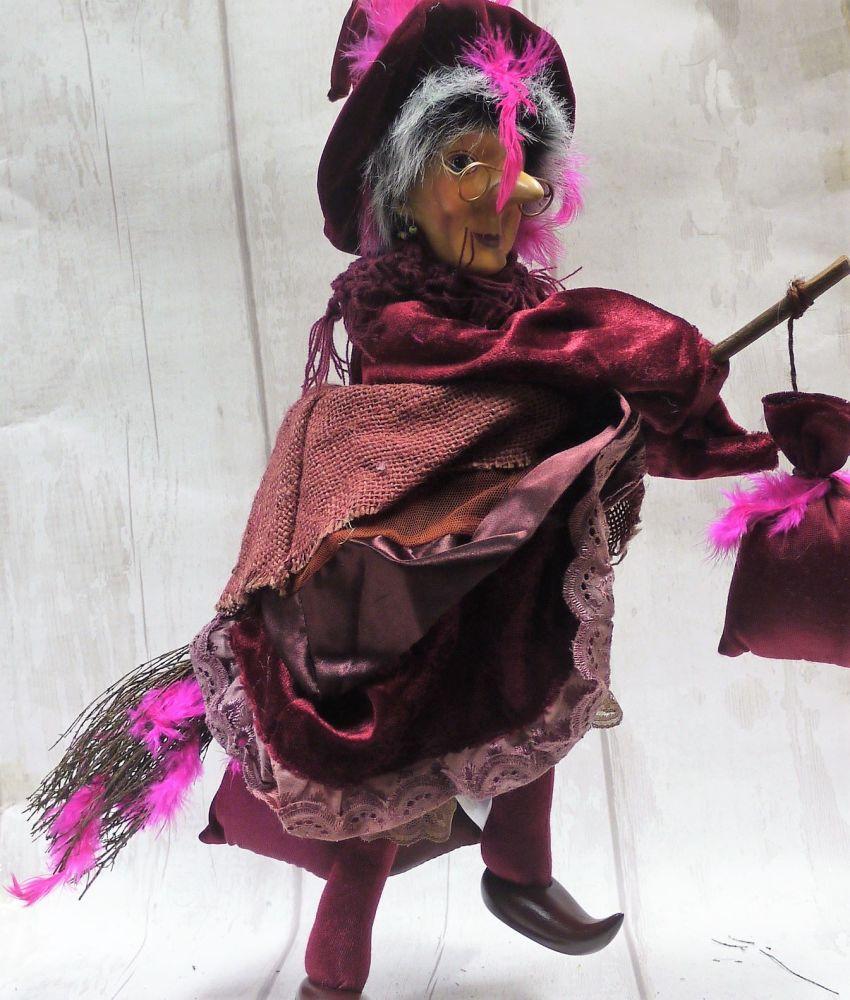 Roweena - flying - burgandy - 35cm