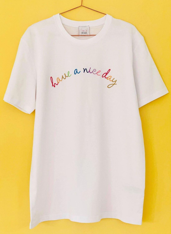 <!-- 001 -->A nice day - Organic Tee with Rainbow embroidery