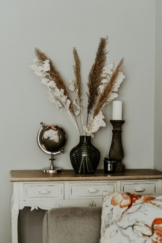 Pampas and Lunaria Dried Flower Arrangement