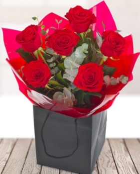 6 Luxury Red Rose Bouquet