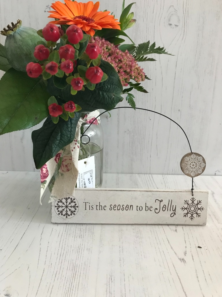 T'is The Season Hanging Sign