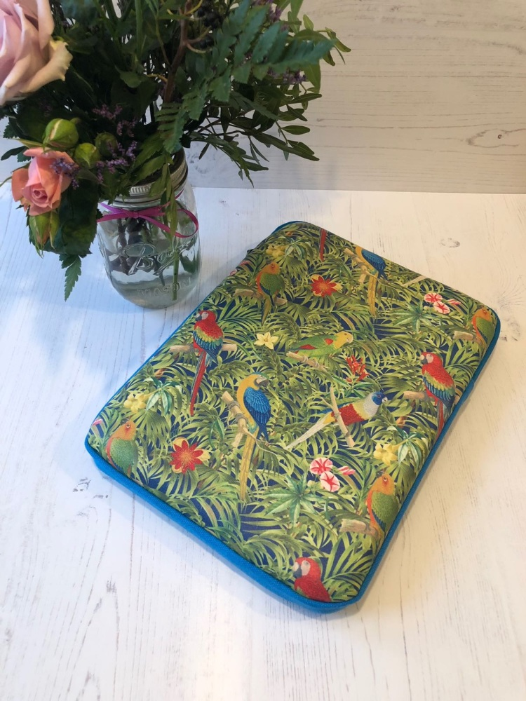 Parrot Paradise Large Tablet Case