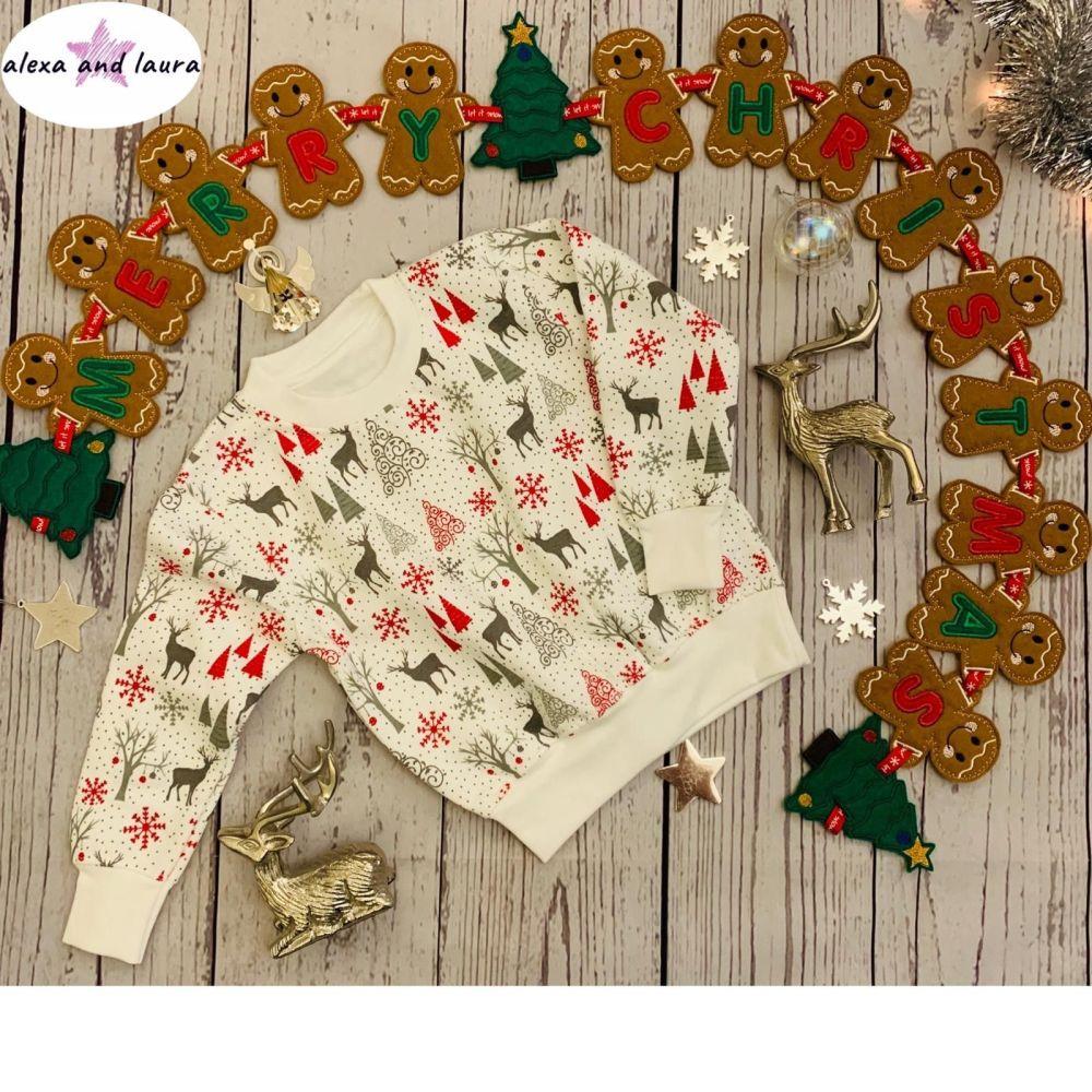 Reindeer Print Kids Crew Neck Fleece Sweatshirt Size 4-5 Years