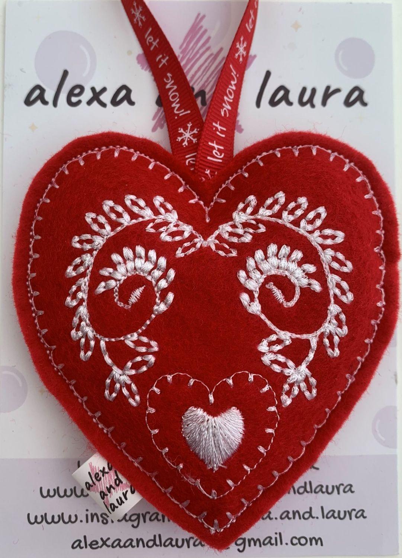 Christmas Heart - N
