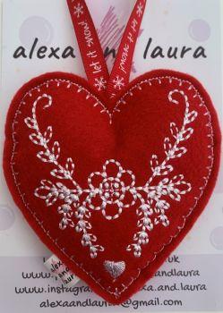 Christmas Heart - M