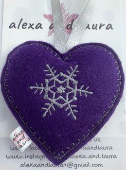 Christmas Heart - F