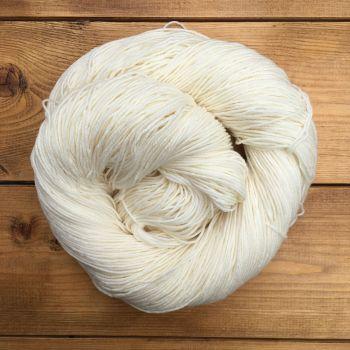 Chora -Snow (Undyed Yarn)