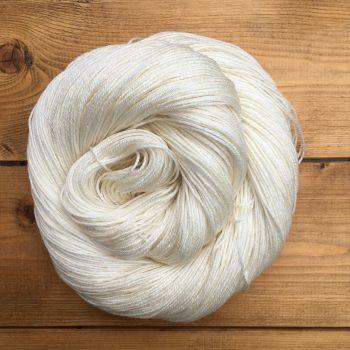 Steni Vala - Snow (Undyed Yarn)