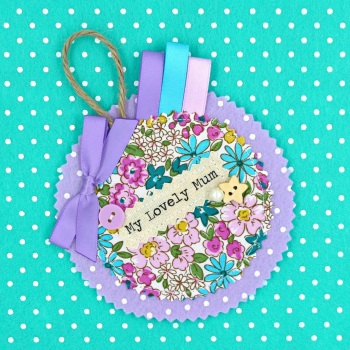 Floral Ditsy Badge