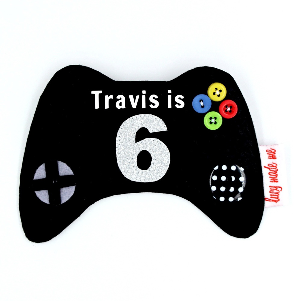 Game Controller Style 2 Badge