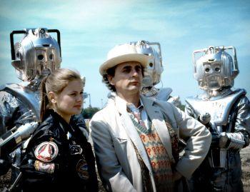 Sylvester McCoy and Sophie Aldred in Doctor Who pre-order (03)