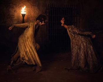 Indira Varma as Ellaria Sand in Game of Thrones 10x08(04)