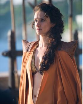Indira Varma as Ellaria Sand in Game of Thrones 10x08(01)
