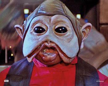 Mike Quinn as Nien Nunb in Star Wars pre-order (02)