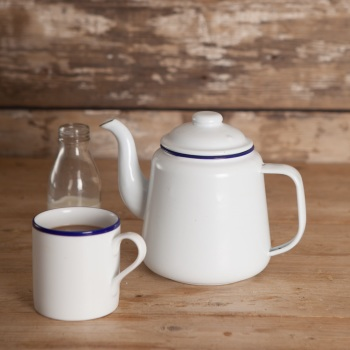 White Enamel Tea pot