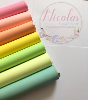 Light reactive Stunning chalk leatherette sheets