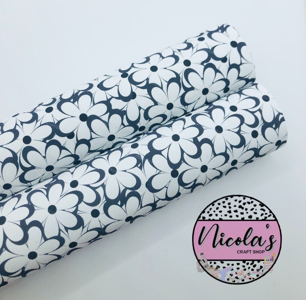 1454 - Colour me in daisy flower printed canvas sheet