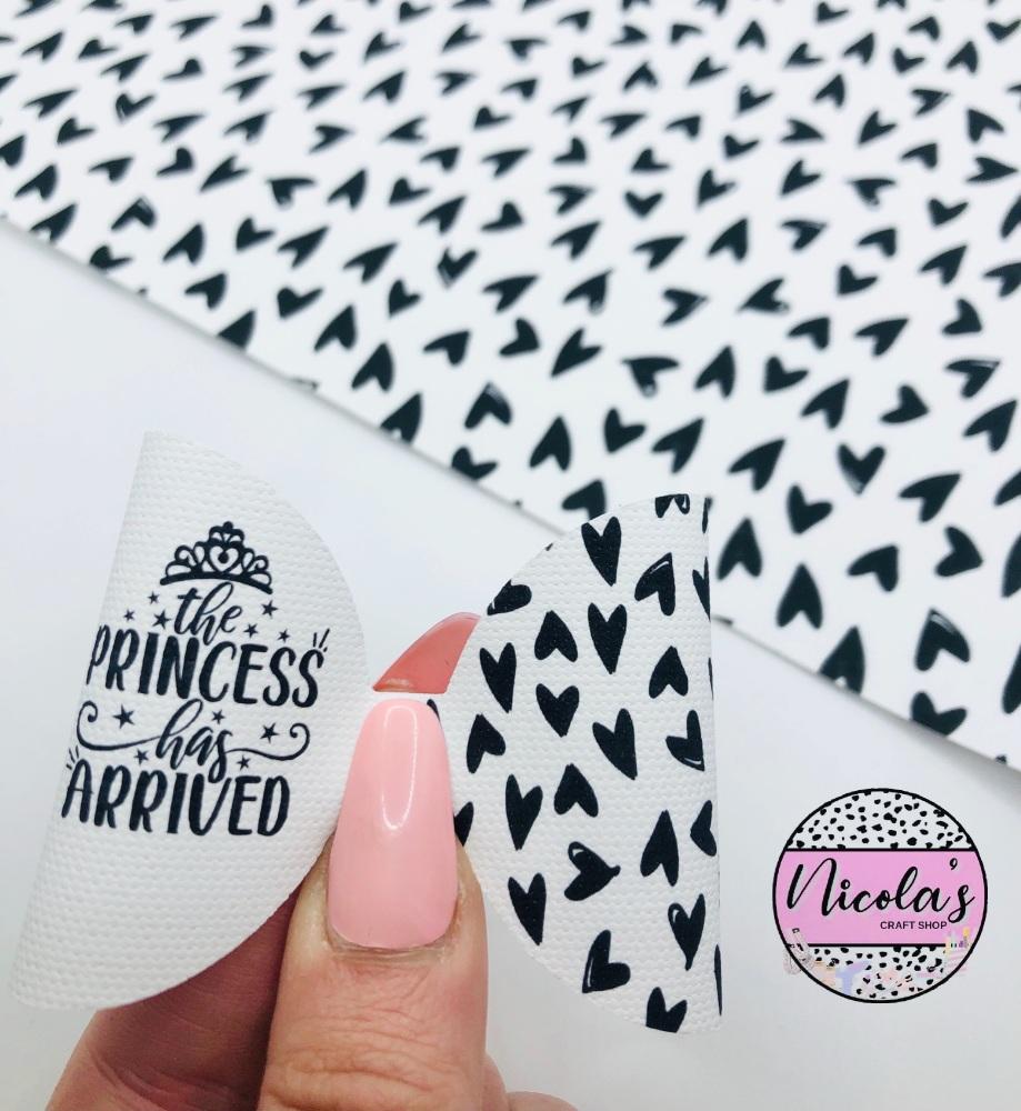 The princess has arrived black heart pre cut bow loop
