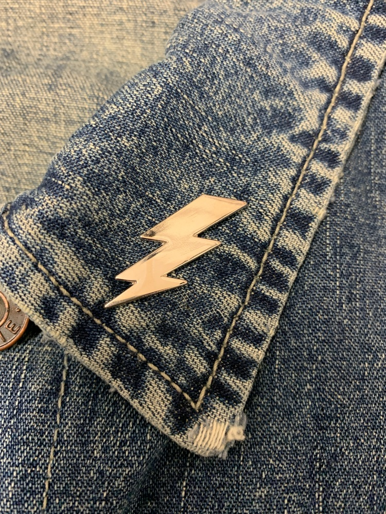 Lightning Bolt Metal Pin Badge #0043