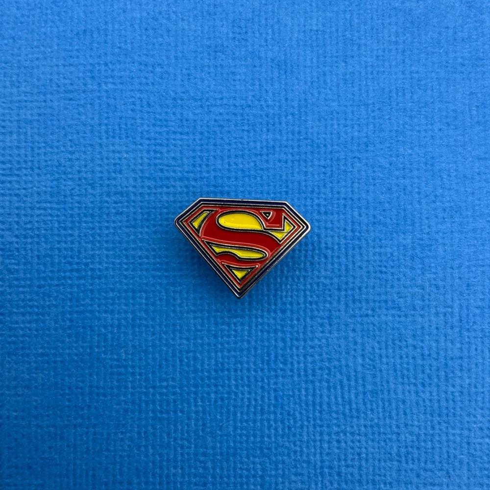 Superman Logo Enamel Metal Pin Badge #0062