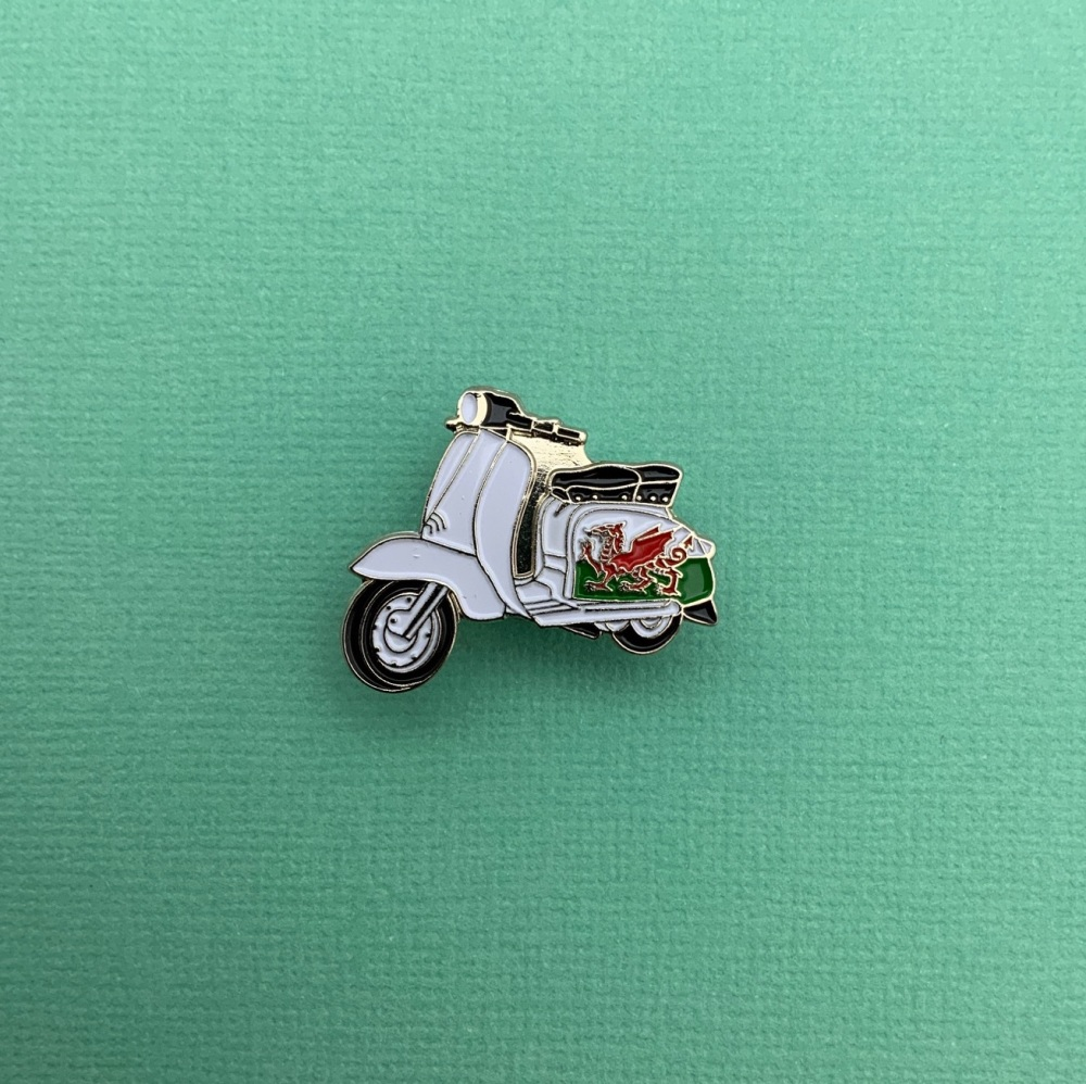 Lambretta Welsh Flag Enamel Metal Pin Badge #0081
