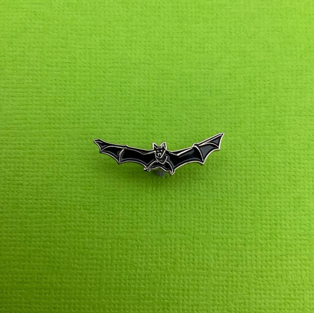 #0121 Black Vampire Bat Enamel Pin Badge
