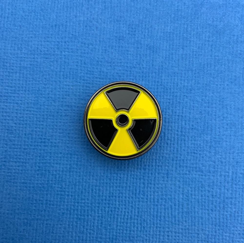 Radioactive Toxic Warning Enamel Metal Pin Badge #0118