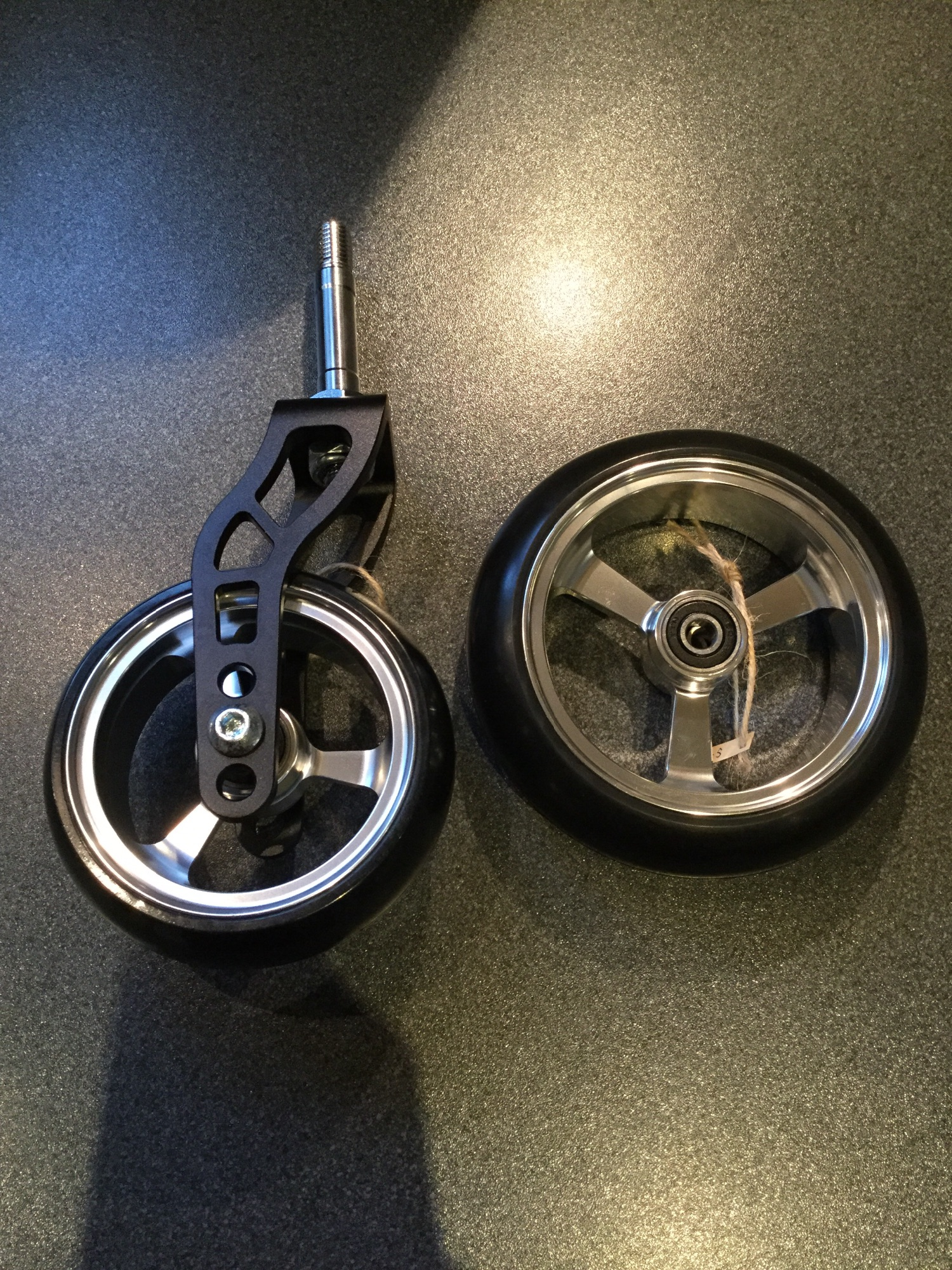 Breaking news! I have some beautiful wheels that have just arrived from Taiwan. These are high quality wheels, more soon.