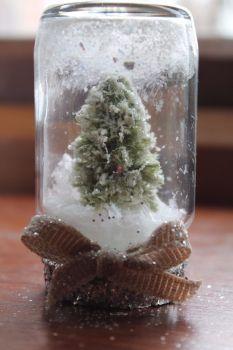 Christmas Tree Dry Snow Globe Jar