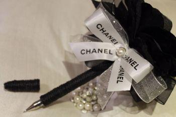 Designer Black Flower Pen