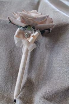 Cream Rose Flower Pen