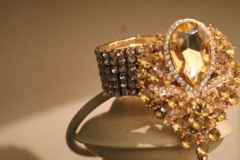 Wedding Crystal Brooch Gold wrist corsage