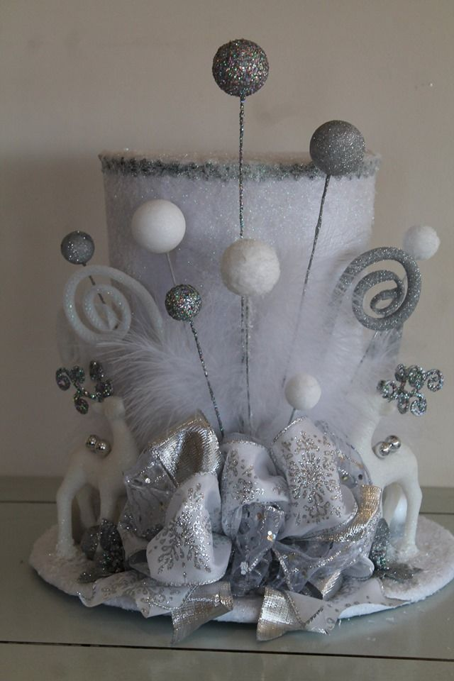 Winter Wonderland Top Hat Christmas Tree Topper
