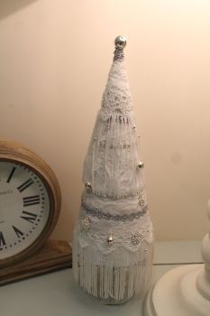 Vintage Style Gatsby Christmas Tree