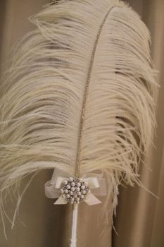 Extra Large Cream Ostrich Feather Pen