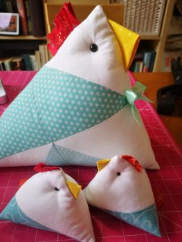 Chicken Doorstop/pincushion/pattern weight Pattern