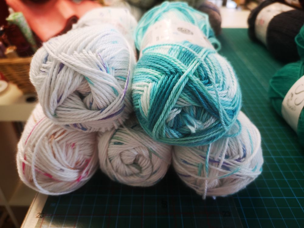 Lucky Dip Yarn bundles