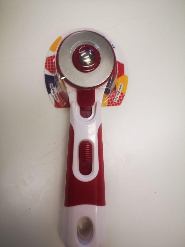45mm Rotary Cutter with Cushion Grip Handle - Red