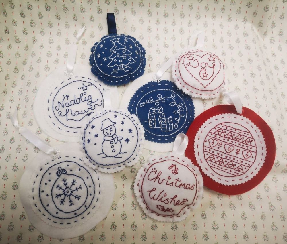 Redwork Bauble Kit - includes templates, fabric, thread & needle