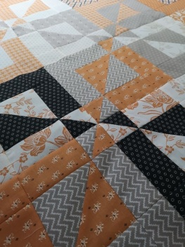 Disappearing Half Square Triangle Pattern - Digital Pattern