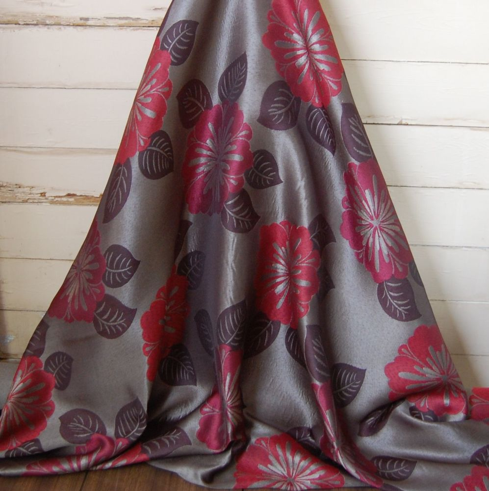 IRRIDESCANT BROWN/GOLD WITH RED FLORAL DETAILING 074C