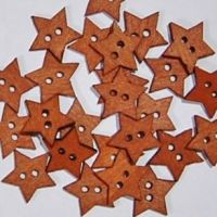 PACK OF 10 WOODEN STAR BUTTONS, 18MM - 2 HOLE.