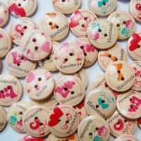 PACK OF 10 WOODEN 'LOVE HANDMADE' BUTTONS, 20MM - 2 HOLE.