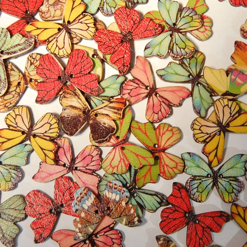MIXED PACK OF 10 WOODEN BUTTERFLY BUTTONS 28MM - 2 HOLE.