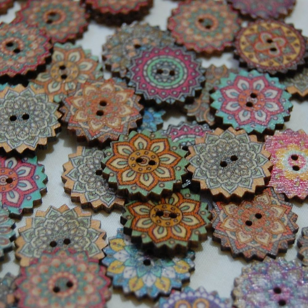 MIXED PACK OF 10 WOODEN FLOWER  BUTTONS, 20MM - 2 HOLE.