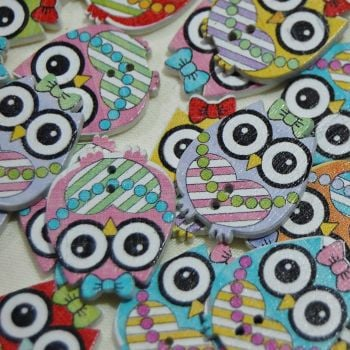 MIXED PACK OF 10 OWL'S WEARING A  BOW AND NECKLACE BUTTON EMBELLISHMENTS, 2 HOLE.