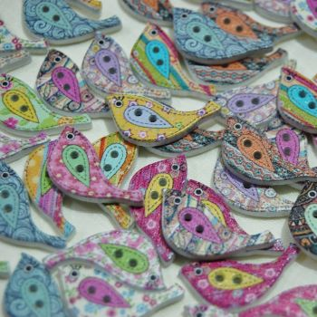 MIXED PACK OF 10 PAINTED BIRD BUTTON EMBELLISHMENTS, 2 HOLE.