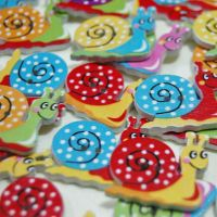 MIXED PACK OF 10 PAINTED SNAIL BUTTON EMBELLISHMENTS, 2 HOLE.
